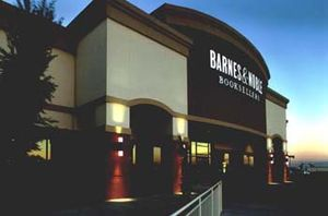 300px-Barnes_and_noble1